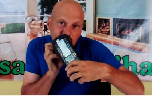 Cepillo eléctrico de dientes a pilas medición por Joan Carles López