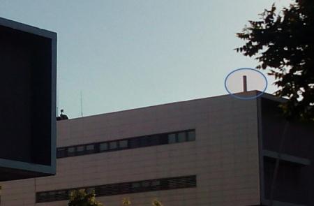 antena de telefonia camuflada en hospital de reus