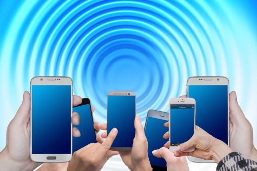 Teléfonos inteligentes causantes del aumentos de los tumores cerebrales, por Joan Carles lópez