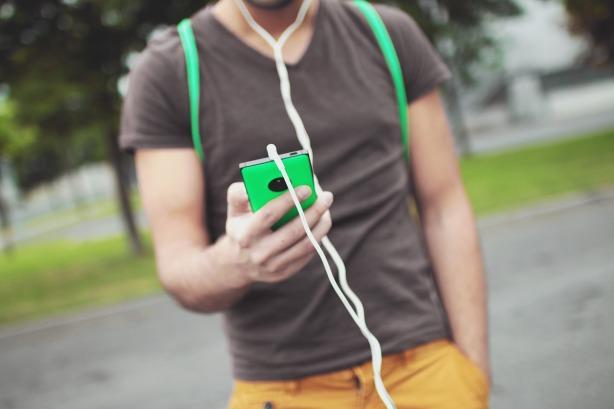 Hay que utilizar siempre los auriculares para llamar por Joan Carles López