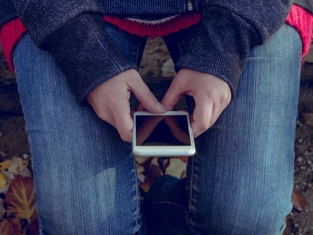 El teléfono móvil no es un juguete es una herramienta, y como tal hay que tener precauciones